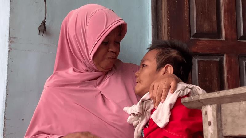 Kisah Ibu Penjual Botok, 21 Tahun Merawat Anaknya yang Sakit