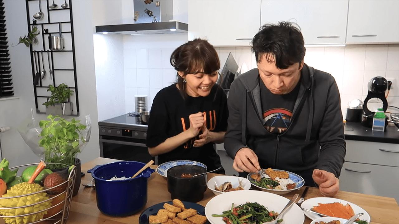 7 Makanan Kesukaan Rina Nose yang Berhasil Membuat Makan Malam Bersama Josscy Jadi Lebih Romantis