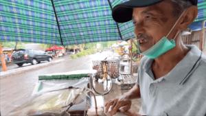 Penjual Uli Ketan Panggang