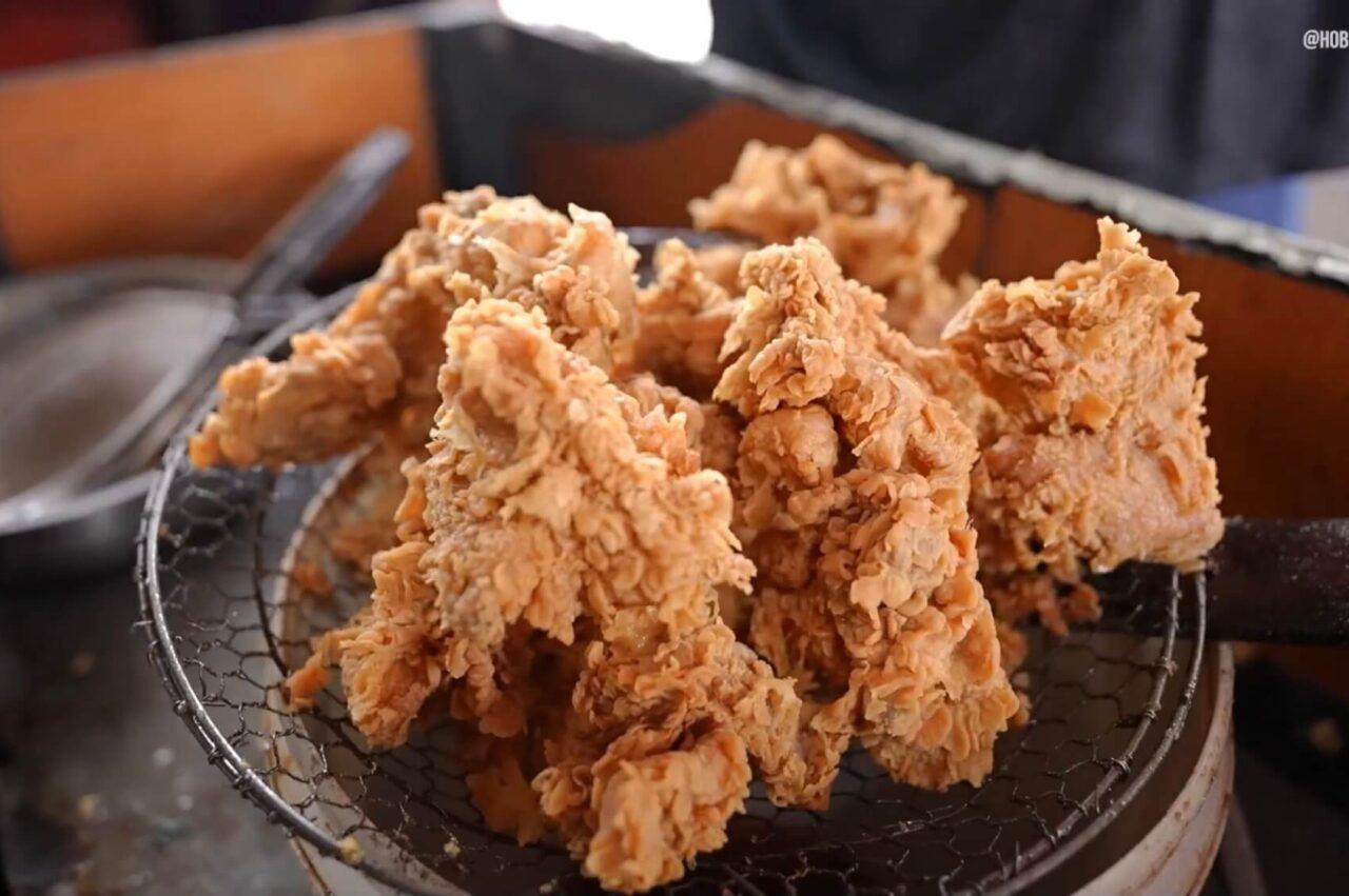 Ada IFC di Depan KFC, Ayamnya Enak!