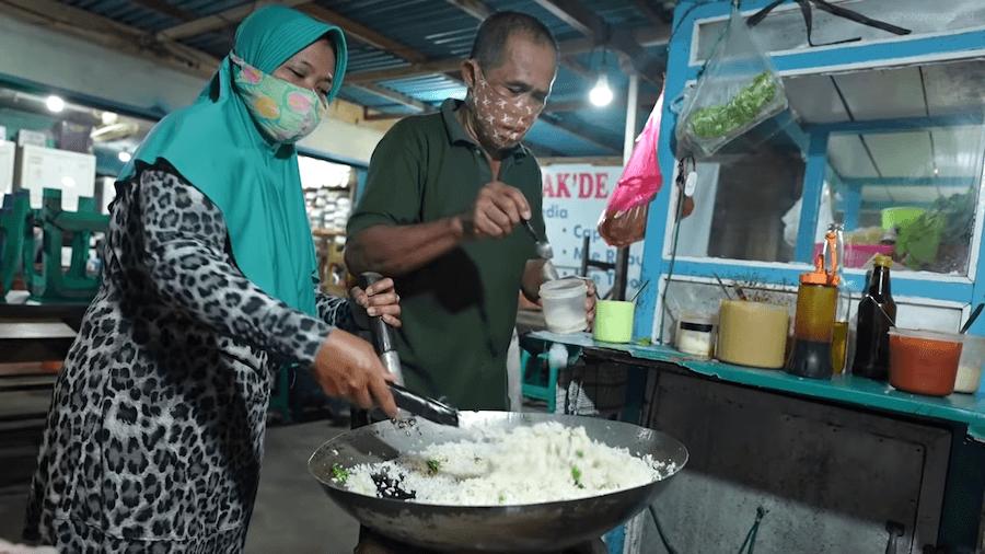Borong Nasgor Pak De'Tomo Agar Cepat Pulang Selama PPKM!