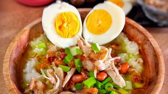 Tips Membuat Bubur Ayam Simple, Gurih dan Pas Untuk Makan Sekeluarga